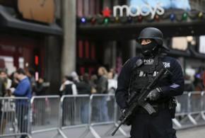 梅西感恩節大游行加强警備