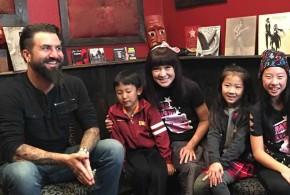 「冰冰姐姐的魔法屋」本週帶小朋友們學樂器
