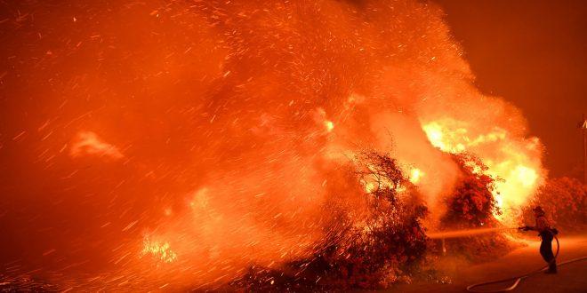 南加州大火遮天蔽日 洛杉磯進入緊急狀態