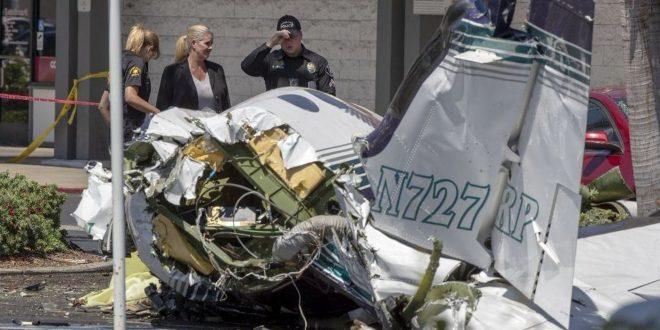 小飛機墜加州停車場5死 地面幸無人受傷